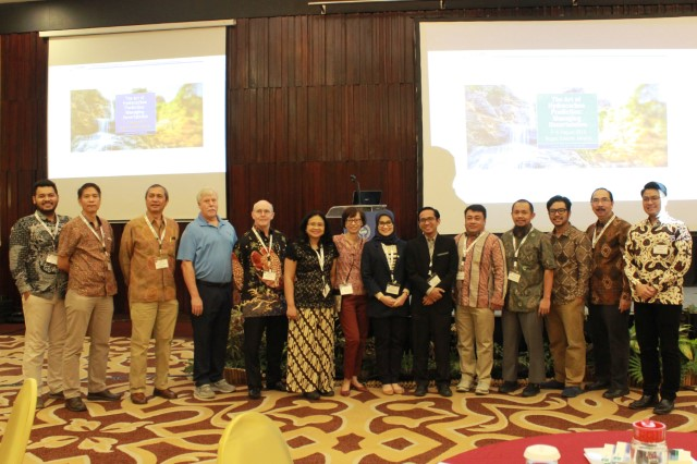 Committee at end Day2 Bogor2019.JPG